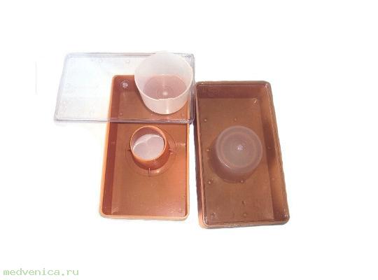 Кормушка для пчел потолочная, пластмассовая, 1 литр, со стаканом